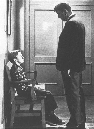 Un enfant attend